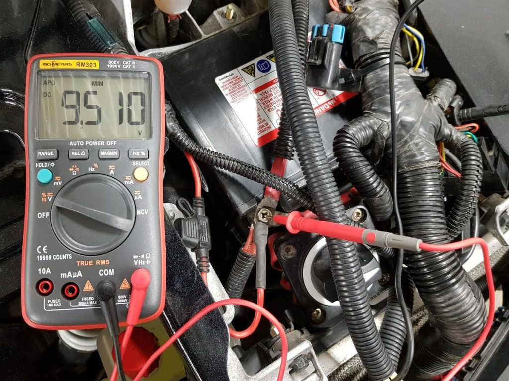 battery load test with multimeter