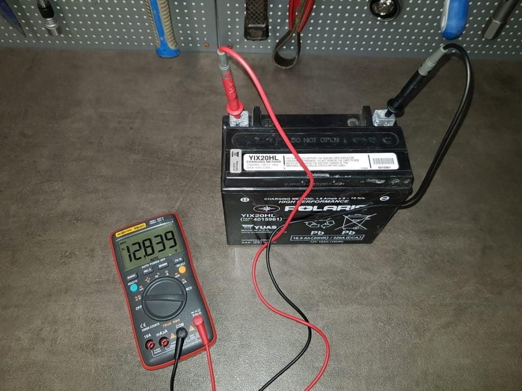 test battery open circuit voltage